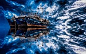 Корабли: траулеры, море, облака, отражение