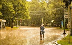 Обои Город: дождь, девушка, мужчина, любовь, поцелуй, романтика, лето, город
