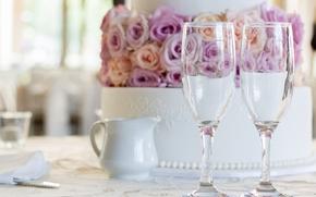 Праздники: свадебный торт, торт, бокалы