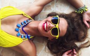 Настроения: улыбка, радость, настроение, стиль, очки, бусы, ожерелье, украшения