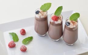 Разное: шоколад, ягоды, малина, стаканы