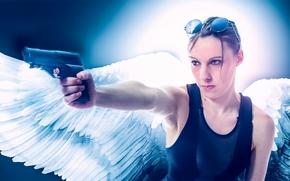 Настроения: девушка, ангел, крылья, пистолет, оружие, очки, настроение