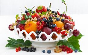 Разное: фрукты, ягоды, витамины, ваза