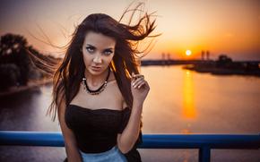 Настроения: девушка, волосы, ветер, взгляд, река, закат