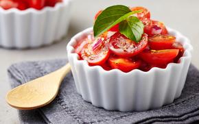 Разное: салат из помидоров, салат, помидоры, ложка, салфетка