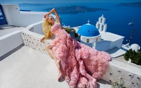 Стиль: Oia, Santorini, Greece, Aegean Sea, Ия, Санторини, Греция, Эгейское море, церковь, модель, поза, платье, стиль, настроение