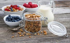 Разное: завтрак, мюсли, ягоды, малина, голубика, молока, кувшин, баночка
