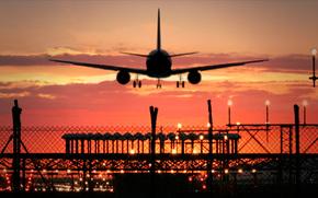Авиация: Посадка, МС-21, самолёт, аэропорт, авиация, небо, вечер, закат