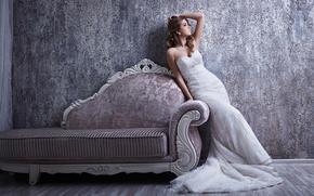Стиль: невеста, свадебное платье, платье, поза, диван, стиль