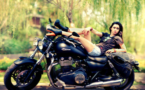 Стиль: девушка, азиатка, ноги, шорты, ботинки, мотоцикл, байк, Triumph