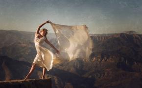 Настроения: девушка, платье, шаль, настроение, горы, ветер