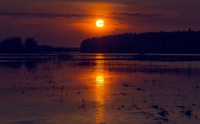 Обои Пейзажи: Большая Гора, Кировская область, Россия, река, Вятка, солнце, вечер, закат, отражение, вода, свет, дорожка, весна, май, лес
