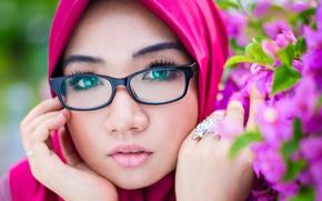 Настроения: Bib Mansor, лицо, взгляд, очки, цветы, портрет