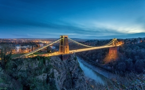 Город: Подвесной мост Клифтон, открылся в 1864 году, охватывающих Avon Gorge и реку Эйвон, связывая Клифтон в Бристоле в Ли Вудс в Северной Сомерсет, Англия, Clifton Suspension Bridge, Nr Bristol