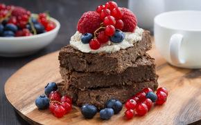 Разное: десерт, ягоды, красная смородина, голубика, малина