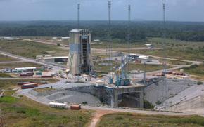 Космос: Космодром, стартовая площадка, ЕКА, ESA, наука, техника, лес, природа, дорога, космос, Земля
