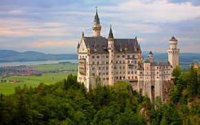 Город: Neuschwanstein Castle, Bavaria, Germany, Замок Нойшванштайн, Бавария, Германия, замок, долина, деревья, панорама