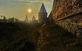 Город: Смоленск, Россия, крепость, стена, небо, солнце, тропинка, город