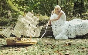Настроения: модель, платье, кораблик, парусник, болото, бревно, настроение
