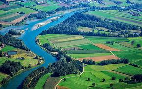 Пейзажи: река, поля, дома, деревья, вид с верху