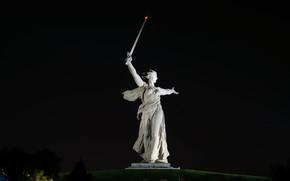 Город: Мамаев курган, статуя, Родина-Мать, Волгоград, Россия, монумент, памятник, СССР, город, меч, ночь