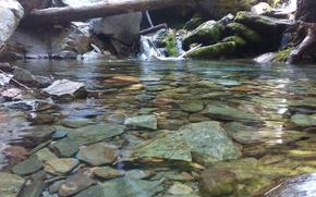 Макро: вода, камни, водопад