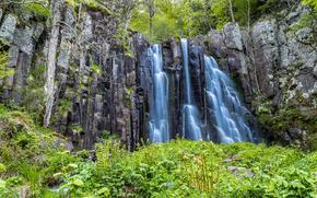 Природа: водопад, скалы, деревья, природа