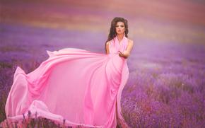 Стиль: модель, платье, луг, лаванда