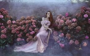Настроения: девушка, рыжая, рыжеволосая, платье, сад, цветы, гортензии, настроение