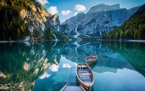 Пейзажи: Pragser Wildsee, Lake Prags, Lake Braies, Dolomites, Alps, South Tyrol, Italy, озеро Брайес, Доломитовые Альпы, Альпы, Южный Тироль, Италия, озеро, горы, отражение, лодки