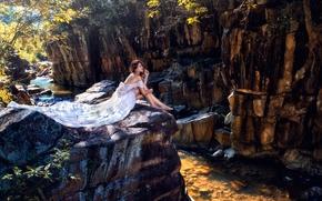 Настроения: азиатка, невеста, платье, ноги, скалы, река, настроение