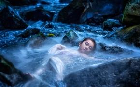 Настроения: азиатка, вода, река, камни, настроение
