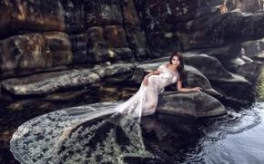 Стиль: азиатка, невеста, свадебное платье, платье, вода, камни