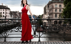 Стиль: модель, красное платье, платье, стиль, мост
