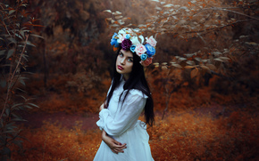 Настроения: девушка, настроение, взгляд, венок, цветы, лес