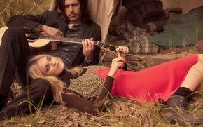 Hozier, Caroline Trentini, музыкант, модель, гитара, настроение обои, фото