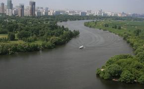 природа,  река,  москва,  яхта,  плывет,  утро,  дома,  город,  прогулка,  отдых,  настроение обои, фото