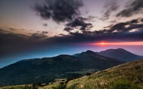 Китай, Тайвань, Национальный Парк, горы, холмы, трава, деревья, небо, вечер, солнце, малиновый, закат, облака, тучи обои, фото