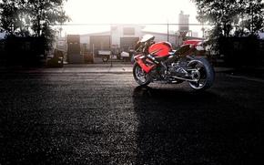 ограждение, деревья, красный, вид сзади, сузуки, мотоцикл, Мотоциклы, небо