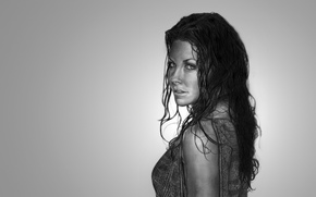 light background, wet hair, girl, Evangeline Lilly